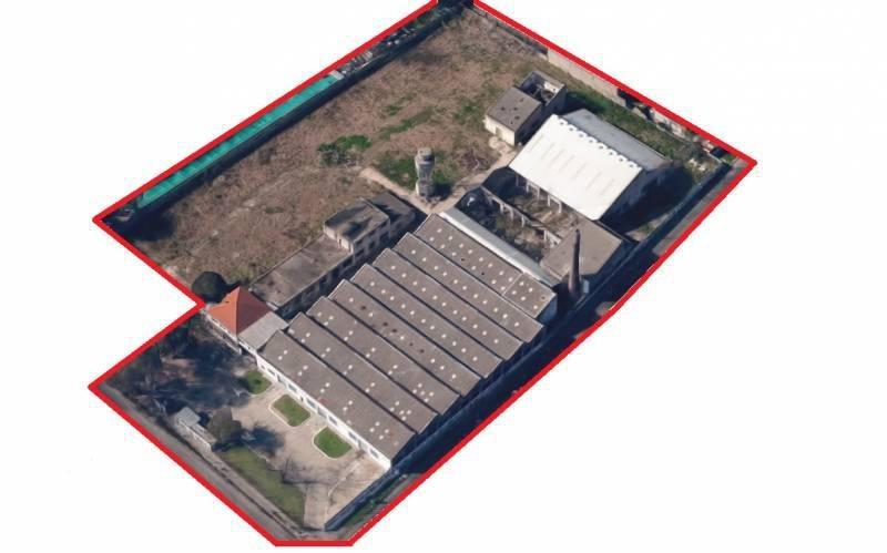 inmueble de 8565 m2 cubiertos sobre terreno de 21648 m2