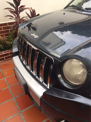 inserto de parrilla cromada jeep compáss  !!! oferta!!!