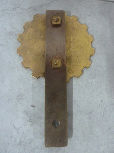 insignia automóvil club de chile en bronce y esmaltado