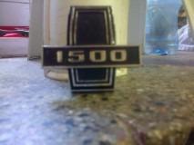 insignia de parrilla dodge 1500