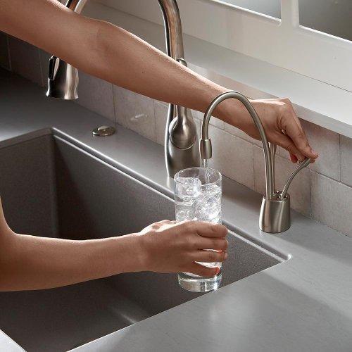 insinkerator fhc1100sn ofrece agua caliente y fria contempor