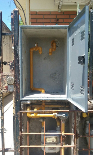 instalación de gas naturales con materiales .