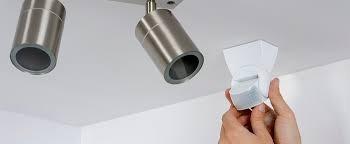 instalacion de lamparas en cielo y muro  bien instaladas