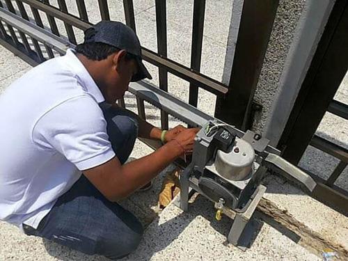 instalación de motores, portones y programación de controles