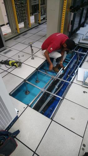 instalación de piso falso y plafon para centros de cómputo