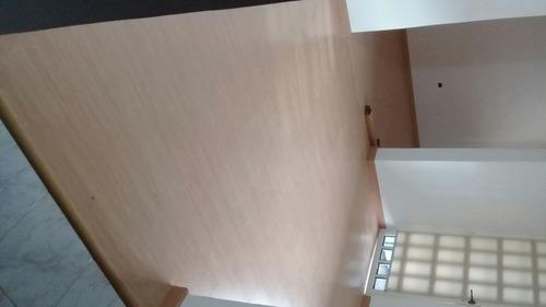 instalacion de pisos laminados, persianas  y puertas  baño