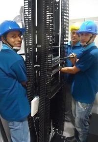 instalación de redes y cámaras de video