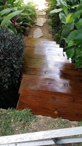instalación y mantenimiento de  pisos de parquet o de madera