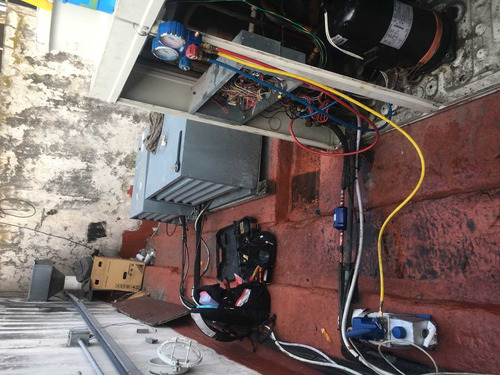 instalación y reparación de equipos a/a