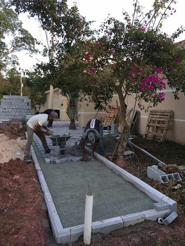 instalação /assentamento de piso intertravado ( bloquete )