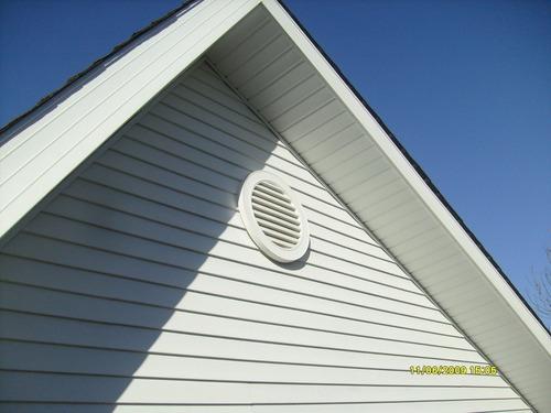instalação de telhado americano shingle e sidding vinílico.