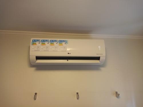 instalação e manutenção elétrica e ar condicionado.