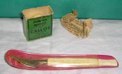 instrumento p/pedicuría antigüo + caja pomada mágica vacía