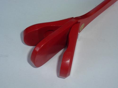 instrumentos musicales para niños. castañuela más pandereta