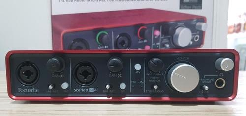 interface de áudio focusrite scarlett 2i4 - 1ª geração