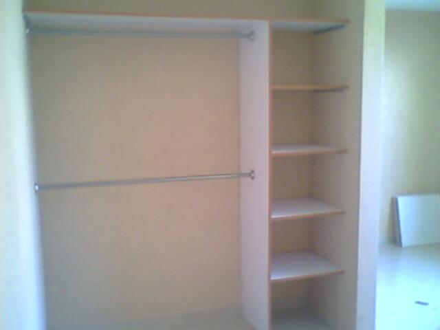 Interior closet melamina 1790 instalado en pachuca for Cuanto cuesta un closet de madera en mexico