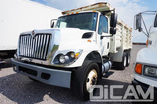 international 4700 camion