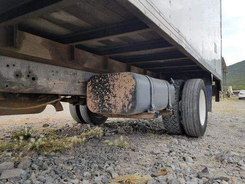 international 600 camión