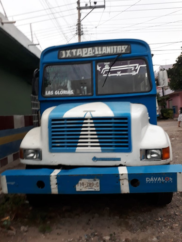 international camion pasagero