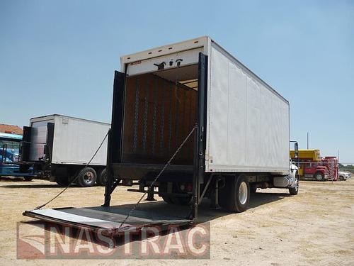 international con caja seca y  rampa 2011