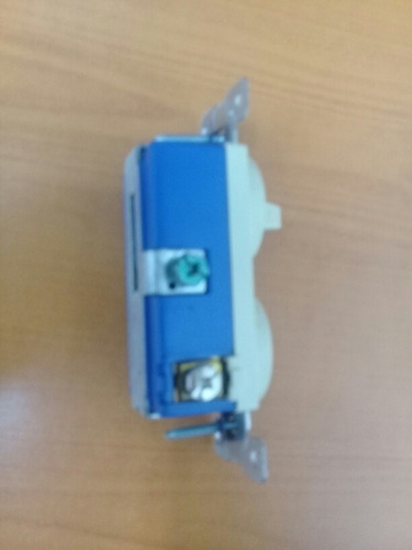 interruptor mas tomacorriente 274v box cooper