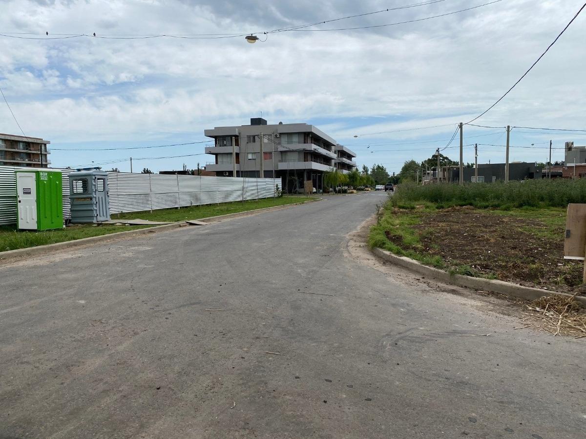 inverti en tierra dentro de rosario - nueva urbanizacion en fisherton - excelente zona - financiacion