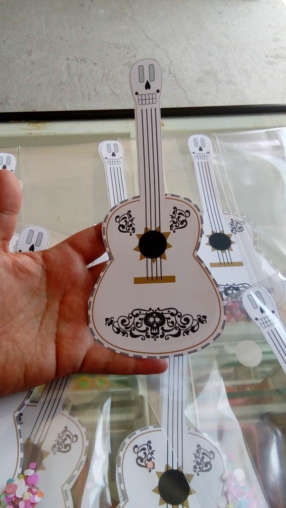 invitaciones guitarra coco