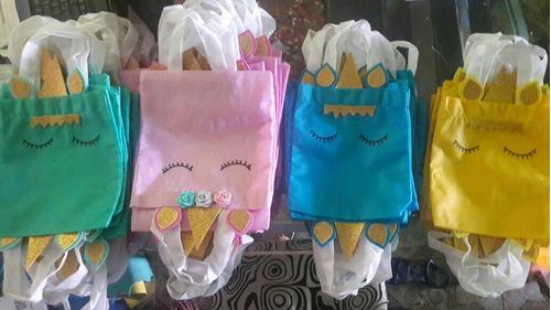 invitaciones personalizada y bolsa de regalo