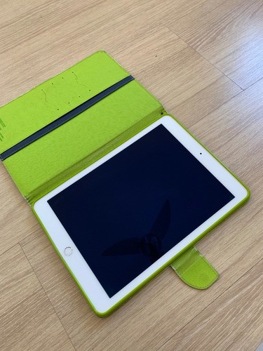 ipad air 2 modelo a1566 prata 64gb + capa