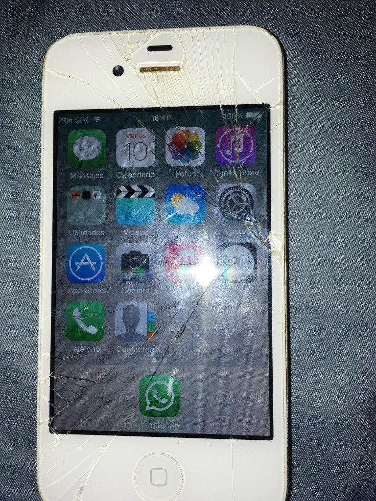0532a5b81e3 iPhone 4 Para Repuestos O Celu De Reserva - $ 1.200,00 en Mercado Libre