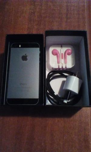 iphone 5s black + caja, cargador y audífonos