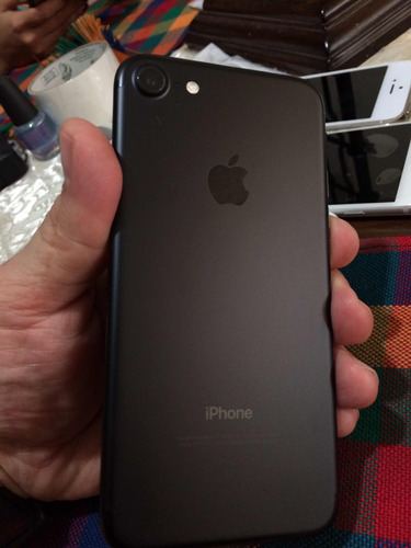 iphone 7 32gb matte black unlocked (260)