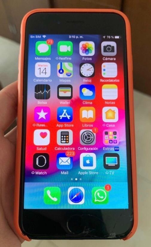 62cd22a461f iPhone 7 Con Accesorios Y 3 Fundas - $ 4,310.99 en Mercado Libre