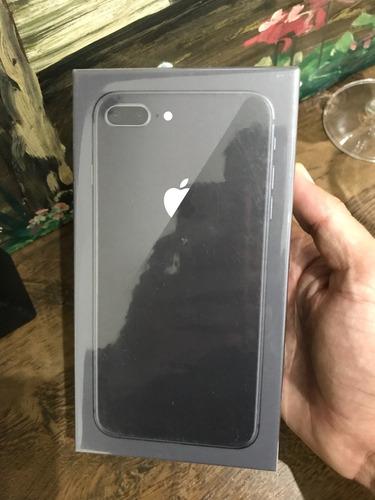 iphone 8 plus de 64 gigas novo lacrado  1 ano de garantia