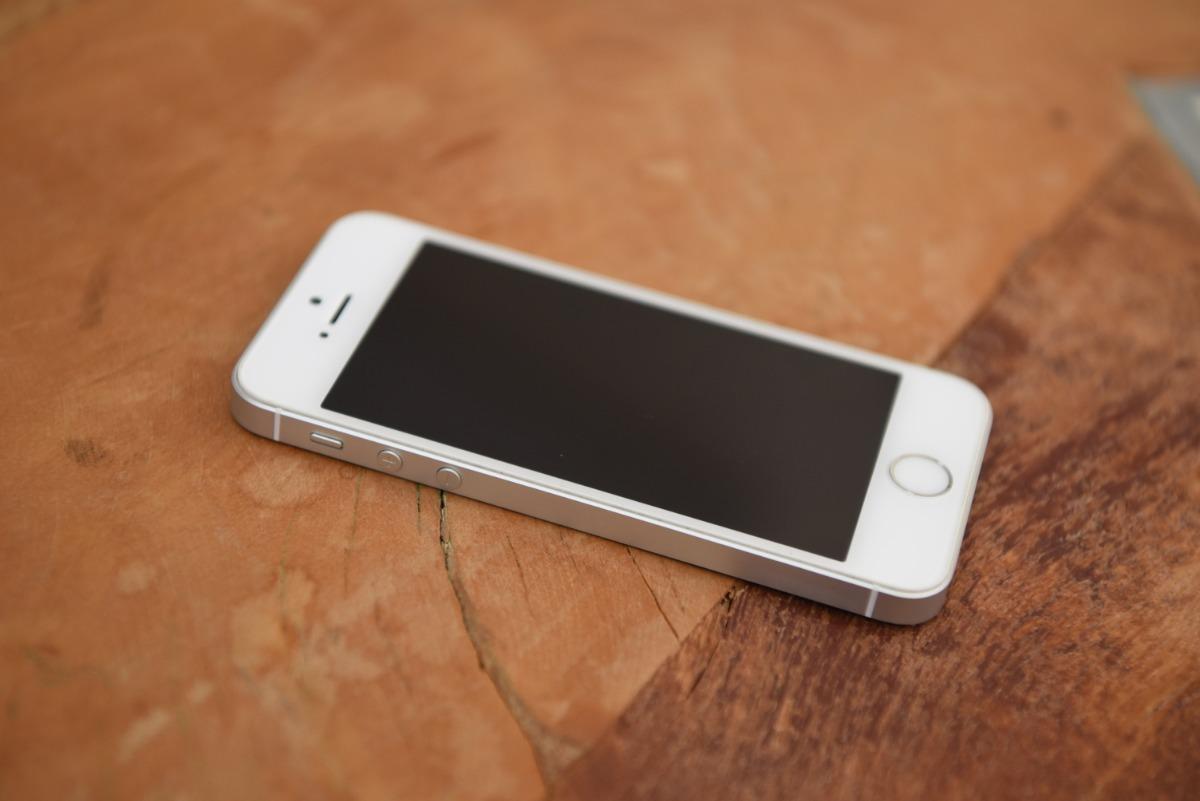 Iphone Se Apple 128gb Modelo A1723
