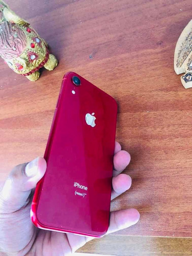 iphone xr red 128gb!