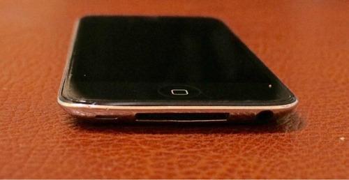 ipod 32gb con mica protectora, funciona a la perfección.