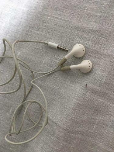 ipod shuffle apple 2gb - rosa - usado - cabo e fone