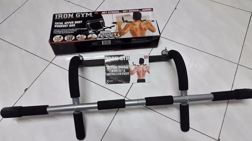 iron gym barra gimnasio puerta piso musculos tonifica moldea