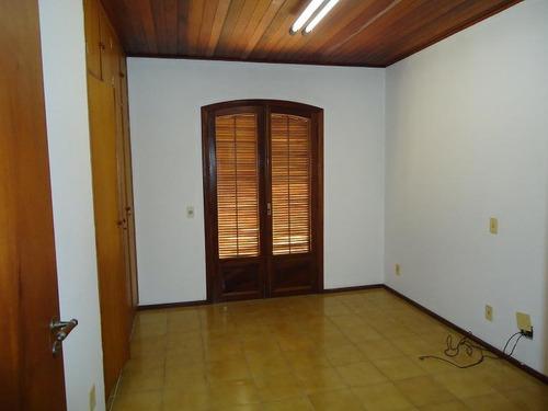 isolada em rua fechada - 3 dormitórios - telma 3079