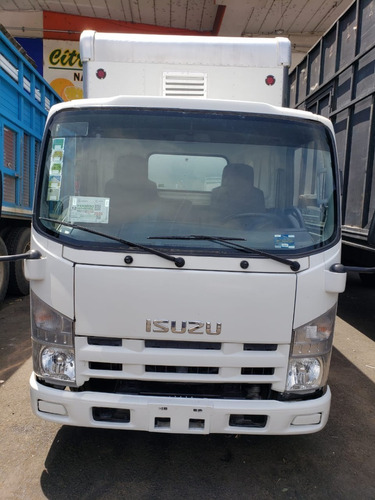 isuzu 2015  elf 200