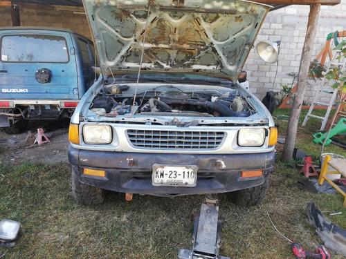 isuzu 4x2 motor 2.3  pick up 1989 4x2