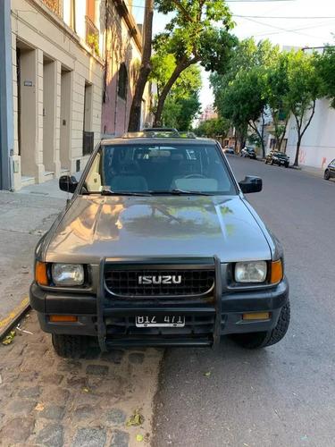 isuzu amigo 4x4 nafta 2.6 litros black pony