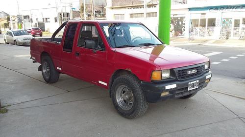 isuzu pick-up 2.5 cabina y 1/2 1996