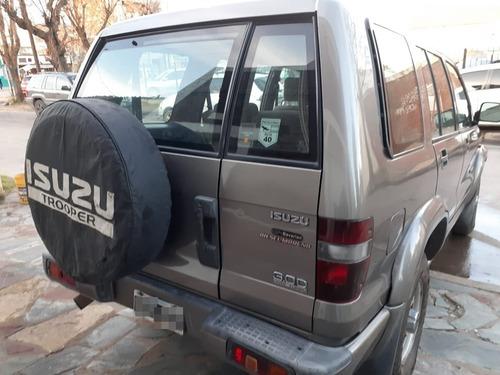 isuzu trooper mod 2001 4x4