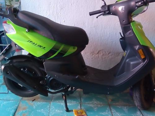 italika 125 -seminueva- año:2020 en color verde.