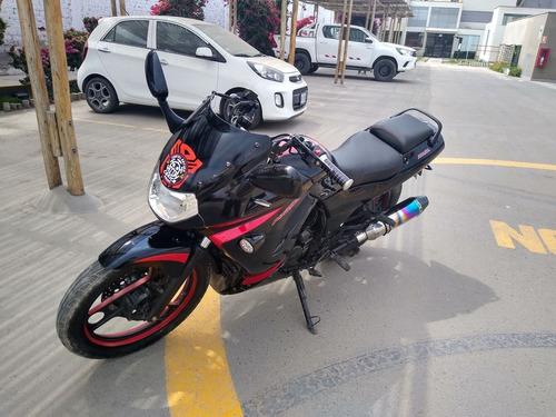 italika  rt 200  negro con franjas rojas