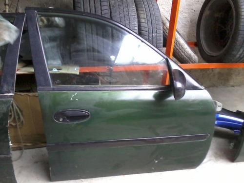 item 1593-14 puerta delantera derecha de malibu 1999-2002