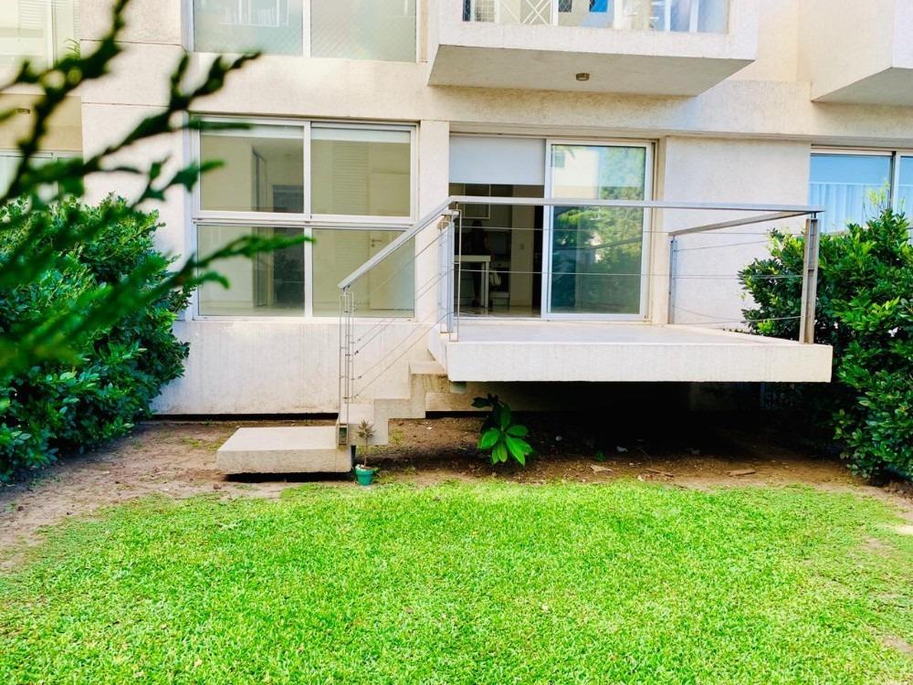 ituzaingo - departamento 2 amb con jardín y cochera
