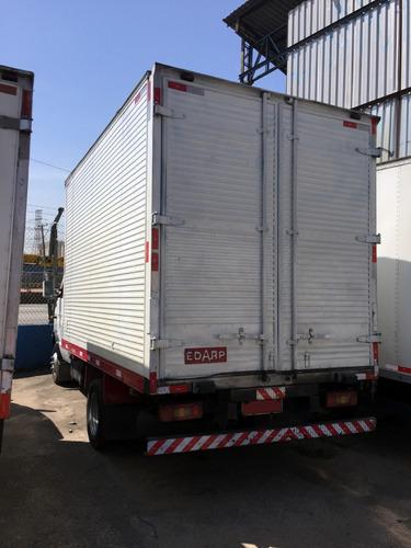 iveco 6012 - 2004/2004 - baú de alumínio carga seca